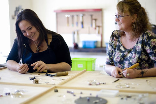 the-jewellery-maker-delia-and-janet